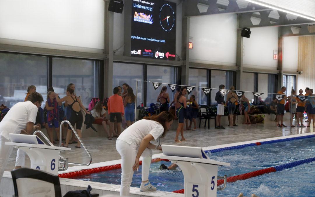 Eerste wedstrijd in het nieuwe zwembad: De Dinkel geniet!