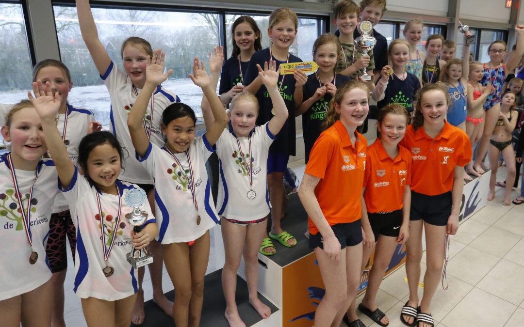 Kingschool wint Dinkelschoolzwemkampioenschappen
